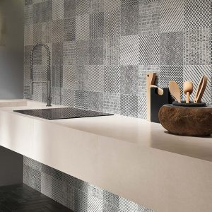 Maku Light Matt Mosaico Spina 13×23 (300×300)