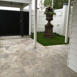 Travertine Silver Tumbled & Unfilled 406x610x12mm