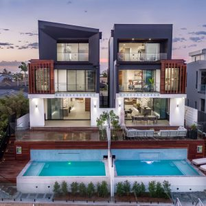 Gold Coast Town Houses - Glass Mosaic Swimming Pool
